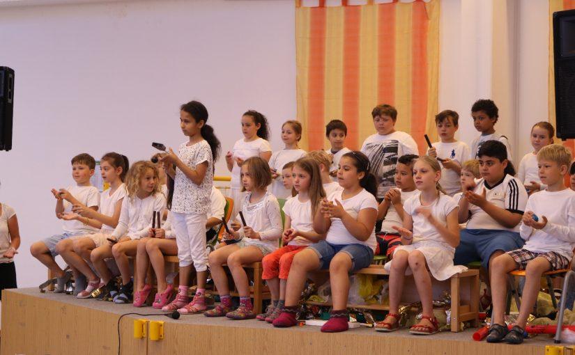 gemeinsames Musizieren mit Kindern der Astrid-Lindgren-Schule